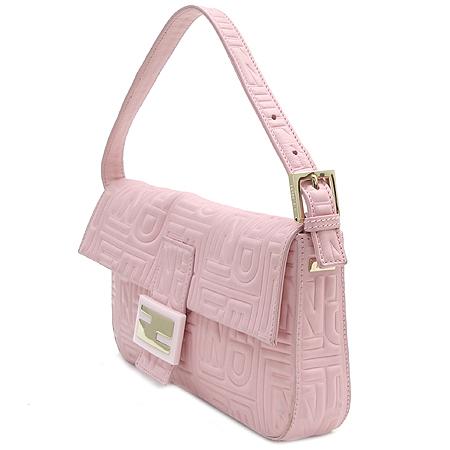 Fendi(펜디) 금장 로고 장식 바게트 퀼팅 핑크 램스킨 숄더백
