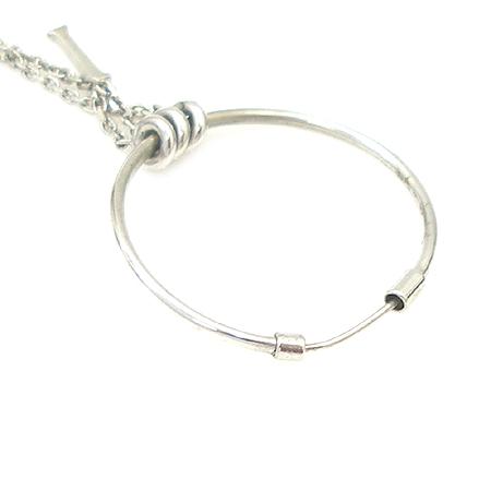J.ESTINA(제이에스티나) 925(실버) 티아라 하트 이니셜 장식 귀걸이 이미지4 - 고이비토 중고명품