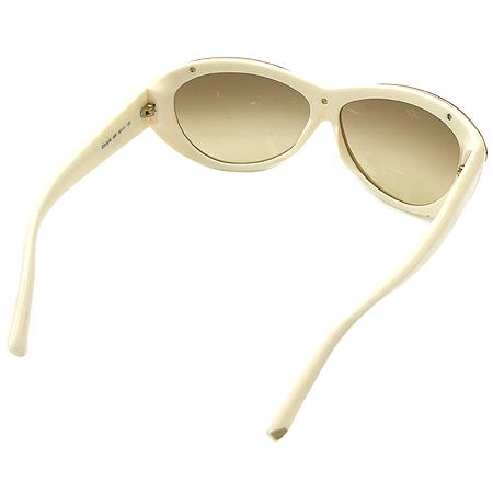 DSQUARED2 (디스퀘어드2) DQ0018 금장 메탈 장식 크림 컬러 뿔테 선글라스 이미지4 - 고이비토 중고명품