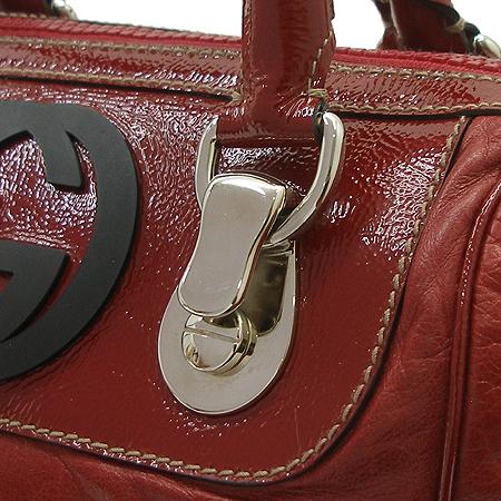 Gucci(구찌) GG로고 레드 래더 에나멜 트리밍 스퀘어 토트백 이미지3 - 고이비토 중고명품