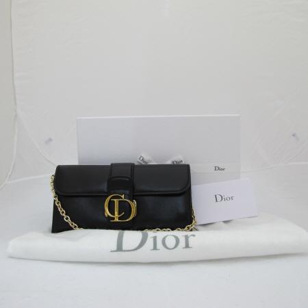 Dior(크리스챤디올) 금장 이니셜 장식 블랙 램스킨 금장 체인 숄더백 겸 클러치백