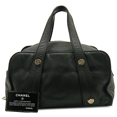 Chanel(샤넬) 블랙 레더 COCO로고 스터드 장식 볼링 토트백