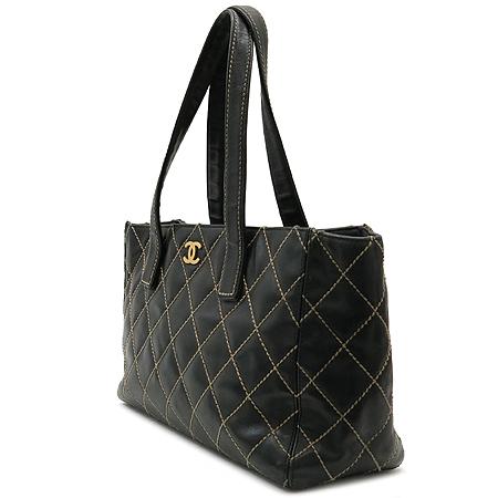 Chanel(샤넬) A20999Y03040 금장 로고 와일드 스티치 토트백 이미지2 - 고이비토 중고명품