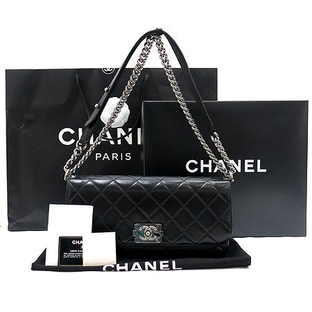 Chanel(샤넬) A65441Y07326 94305 소프트카프스킨 블랙 은장로고 체인 보이 플랩 숄더백
