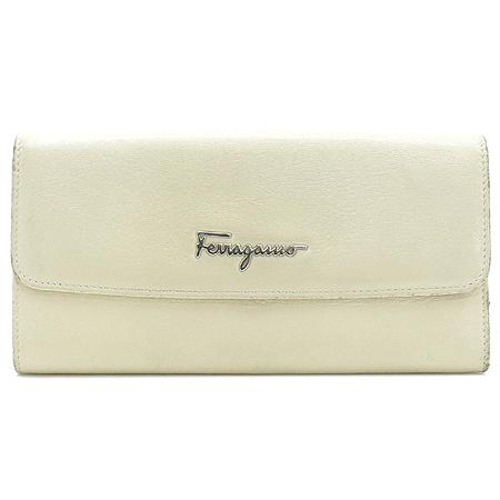 Ferragamo(페라가모) 22-A235 아이보리 레더 은장 로고 장식 장지갑