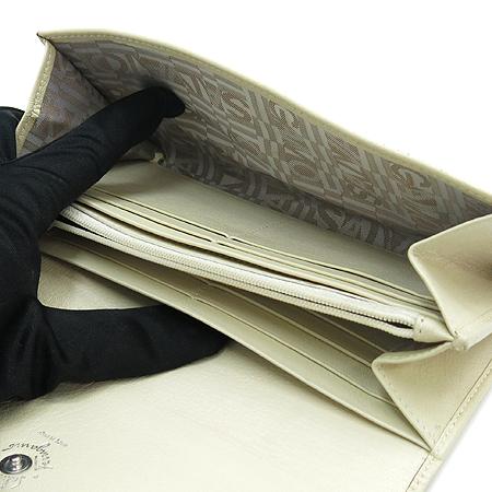 Ferragamo(페라가모) 22-A235 아이보리 레더 은장 로고 장식 장지갑 [강남본점]