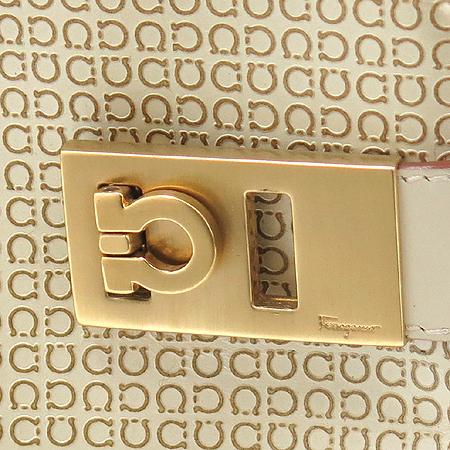 Ferragamo(페라가모) 21 0167 금장 로고 장식 간치니 페턴 레더 토트백 [부산본점]
