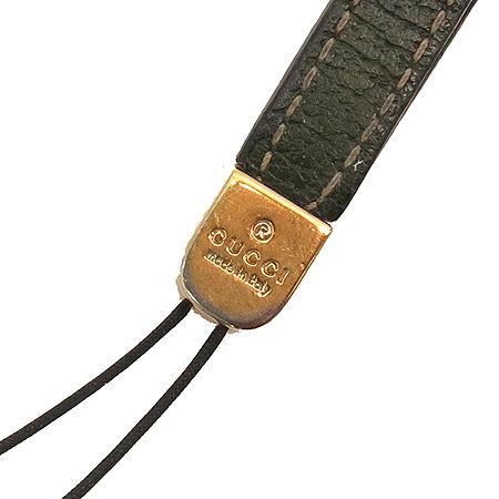 Gucci(구찌) 115279 금장 로고 장식 핸드폰 고리 이미지3 - 고이비토 중고명품