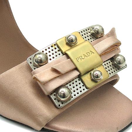 Prada(프라다) 금장 로고 장식 실크 오픈토어 하이힐 구두 이미지5 - 고이비토 중고명품