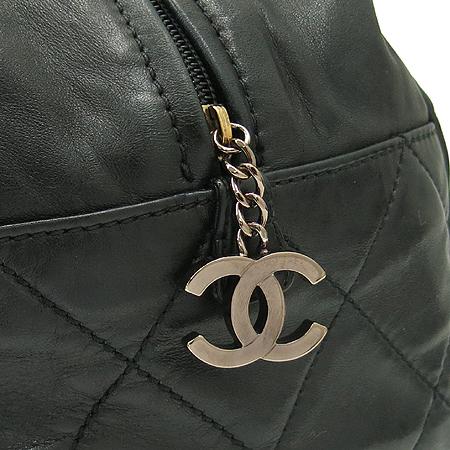 Chanel(샤넬) 램스킨 은장 로고 볼링 숄더백 [강남본점] 이미지4 - 고이비토 중고명품
