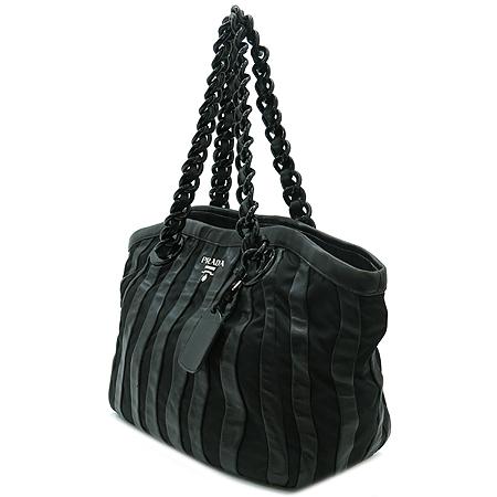 Prada(프라다) BR3998 블랙 나파 고프레 체인 숄더백 이미지3 - 고이비토 중고명품