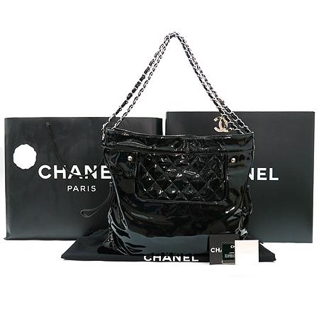 Chanel(샤넬) A47746Y01799  봉봉 (BON BONS) 페이던트 은장체인 숄더백 이미지2 - 고이비토 중고명품