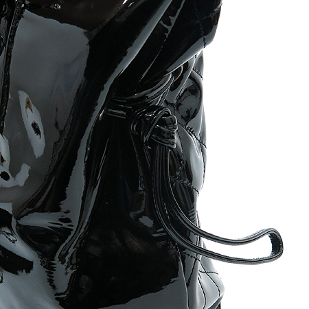 Chanel(샤넬) A47746Y01799  봉봉 (BON BONS) 페이던트 은장체인 숄더백 이미지4 - 고이비토 중고명품