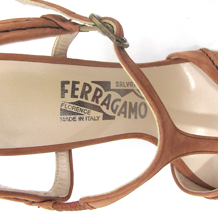 Ferragamo(페라가모) 핑크 스웨이드 오픈 하이힐 여성용 구두 [부천 현대점]