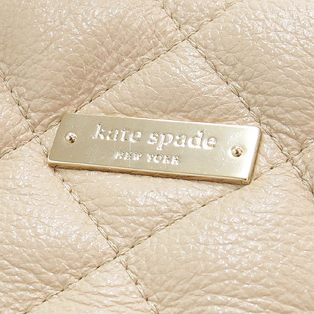 KATESPADE(케이트스페이드) KKHFSGCV(228) 금장 로고 장식 베이지 퀼팅 체인 숄더백