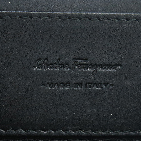 Ferragamo(페라가모) 66 6062 로고 장식 동전 지갑 이미지3 - 고이비토 중고명품