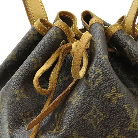 Louis Vuitton(���̺���) M42226 ���׷� ĵ���� �ڶ� �뿡 �����