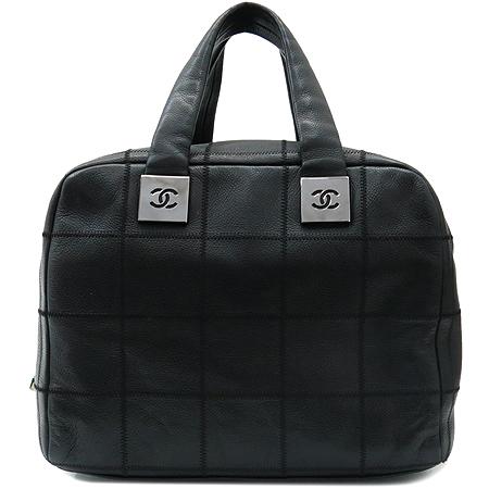 Chanel(샤넬) 은장 플레이트 로고 소프트 캐비어스킨 마트라쎄 누빔 스티치 볼링 숄더백
