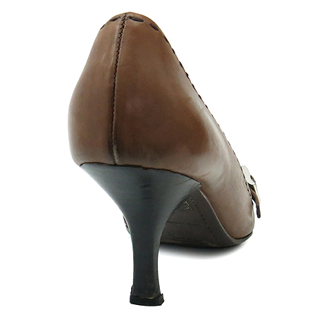 Prada(프라다) 은장 버클 장식 브라운 레더 스티치 여성 구두