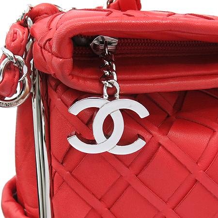 Chanel(샤넬) A34487Y01480 레드 램스킨 인트레치아토 은장 체인 숄더백