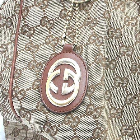 Gucci(구찌) 211943 GG 로고 자가드 수키 토트백