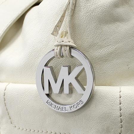 MICHAELKORS (마이클코어스) 투 포켓 화이트 래더 숄더백 [강남본점] 이미지3 - 고이비토 중고명품
