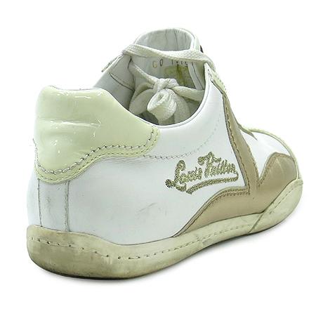 Louis Vuitton(루이비통) 이니셜 자수 로고 장식 래더 스니커즈 이미지4 - 고이비토 중고명품