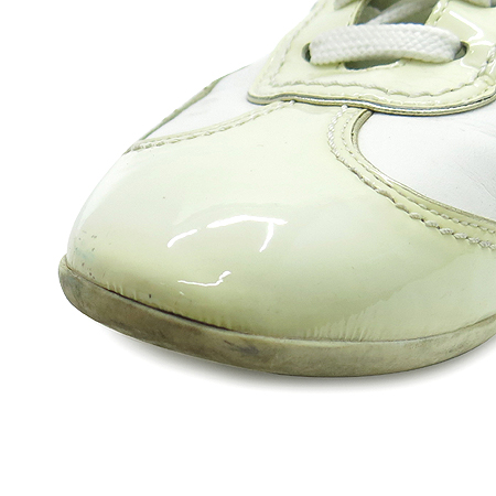 Louis Vuitton(루이비통) 이니셜 자수 로고 장식 래더 스니커즈