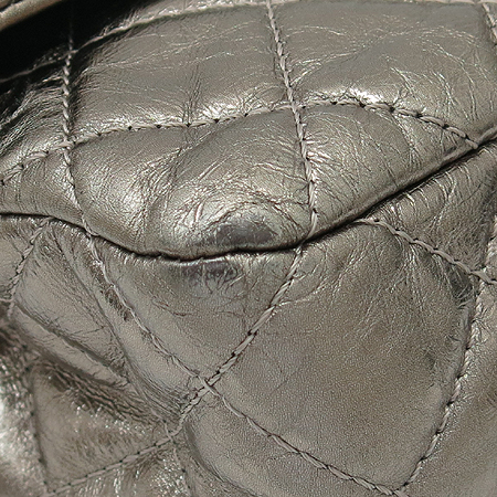Chanel(샤넬) 2.55 빈티지 메탈릭 골드 L 사이즈 은장 체인 숄더백