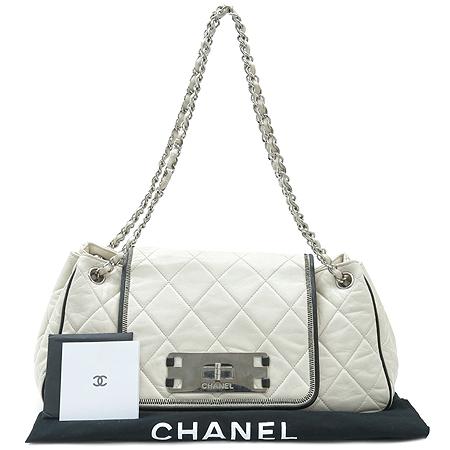 Chanel(샤넬) 램스킨 퀼팅 아이보리 래더 아코디언 은장 체인 숄더백 이미지2 - 고이비토 중고명품