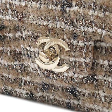 Chanel(샤넬) 트위드 클래식 M사이즈 금장 체인 숄더백 이미지5 - 고이비토 중고명품