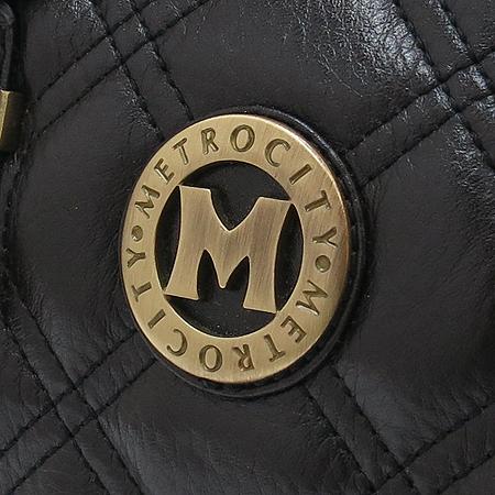 Metrocity(메트로시티) 로고 장식 퀼팅 레더 보스톤 토트백 이미지4 - 고이비토 중고명품