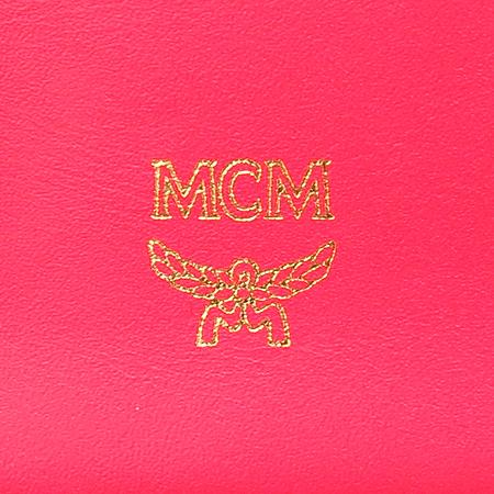 MCM(엠씨엠) 1032074030512 참 장식 플레이트 반지갑 이미지5 - 고이비토 중고명품