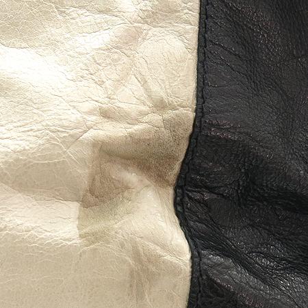 GIVENCHY(지방시) 블랙 & 화이트 래더 금장 스터드 장식 숄더백