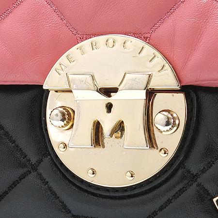 Metrocity(메트로시티) 금장 M 로고 퀼팅 금장 체인 숄더백