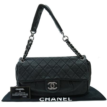 Chanel(샤넬) COCO로고 장식 은장 체인 숄더백 [명동매장]