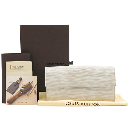 Louis Vuitton(루이비통) M6516J 에삐 레더 사라 장지갑 [명동매장]