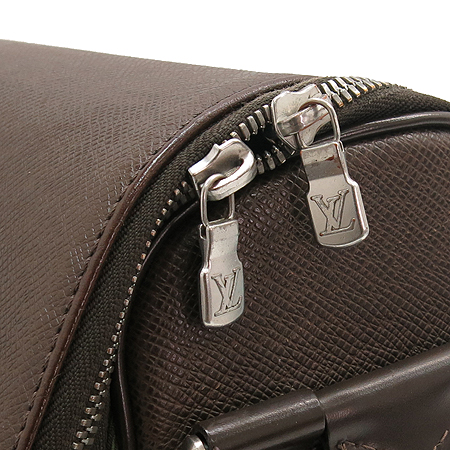 Louis Vuitton(루이비통) M30864 타이가 TAIMYR 타이미르 크로스백 [대구반월당본점] 이미지3 - 고이비토 중고명품