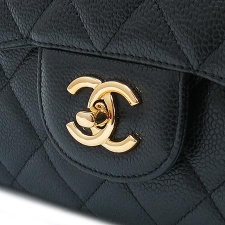 Chanel(샤넬) 캐비어 스킨 점보 사이즈 클래식 금장 체인 숄더백 [잠실점] 이미지5 - 고이비토 중고명품