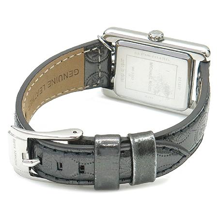 MICHAELKORS(마이클 코어스) 은장 로고 장식 여성용 시계