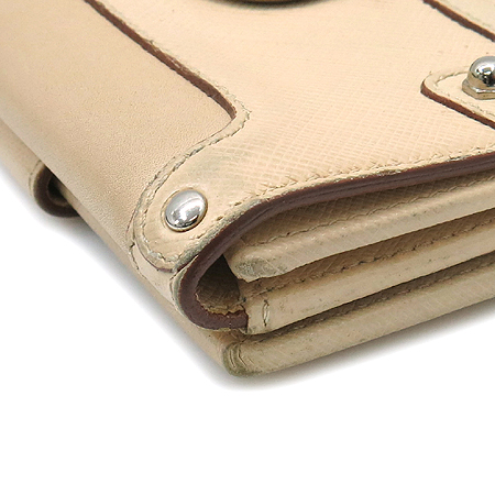 Ferragamo(페라가모) 22 3721 아이보리 컬러 은장 간치니 버클 반지갑