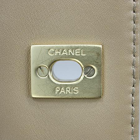 Chanel(샤넬) 와일드스티치 베이지 퀼팅 금장로고 체인 클래식 숄더백 [명동매장]