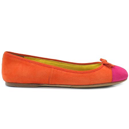 Prada(프라다) 리본 장식 오렌지 컬러 스웨이드 여성용 플랫 슈즈 이미지3 - 고이비토 중고명품