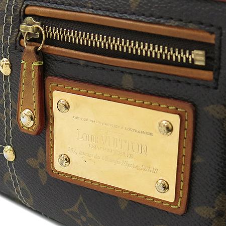 Louis Vuitton(루이비통) M40141 모노그램 캔버스 리미티드 포쉐트 악세서리 리베팅 파우치 숄더백 [명동매장] 이미지3 - 고이비토 중고명품