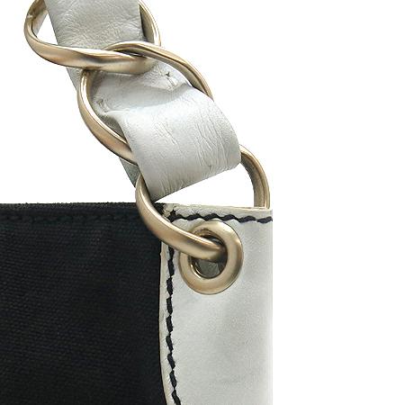 Chanel(샤넬) COCO 로고 패브릭 화이트 레더 금장 체인 파우치 숄더백
