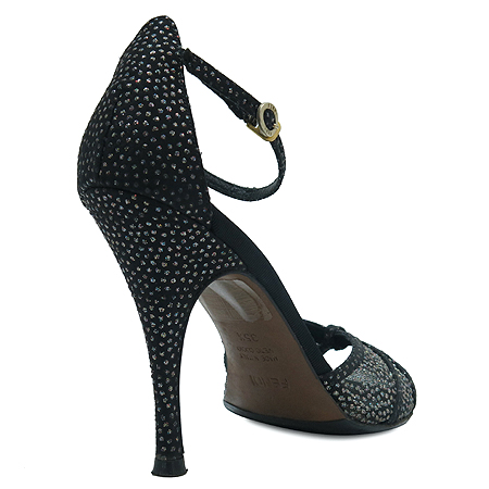 Fendi(펜디) 큐빅 패턴 블랙 컬러 오픈토 여성용 구두