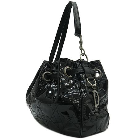 Dior(크리스챤디올) VYN44481 블랙 페이던트 퀼링 숄더백