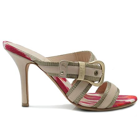 Dior(크리스챤디올) 메탈 로고 벨트 장식 여성용 샌들 구두