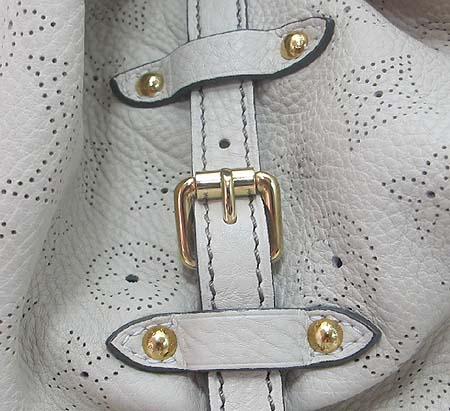 Louis Vuitton(루이비통) M95715 마히나 레더 XL 토트백