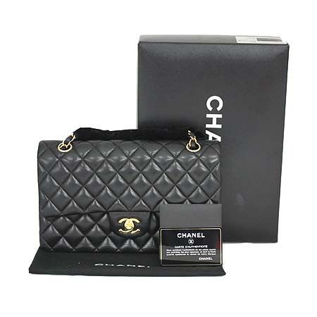 Chanel(샤넬) A01112Y01490 94305 램스킨 블랙 클래식 M사이즈 금장로고 체인 숄더백 [명동매장]